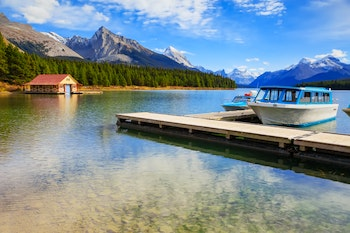 Maligne Lake im Jasper Nationalpark - ©alexen_zhukov@ukr.net - Adobe Stock