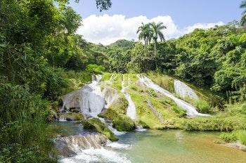 Wasserfall in der Sierra del Escambray - ©Piotr Pawinski - Adobe Stock