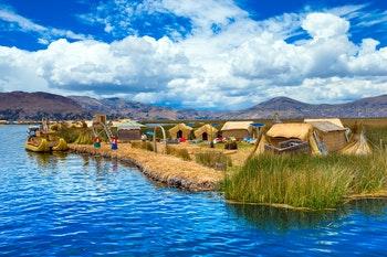 Schwimmende Insel der Uros am Titicaca See - ©Pakhnyushchyy - Fotolia
