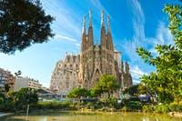 Sagrada Familia in Barcelona - ©Luciano Mortula - Adobe Stock