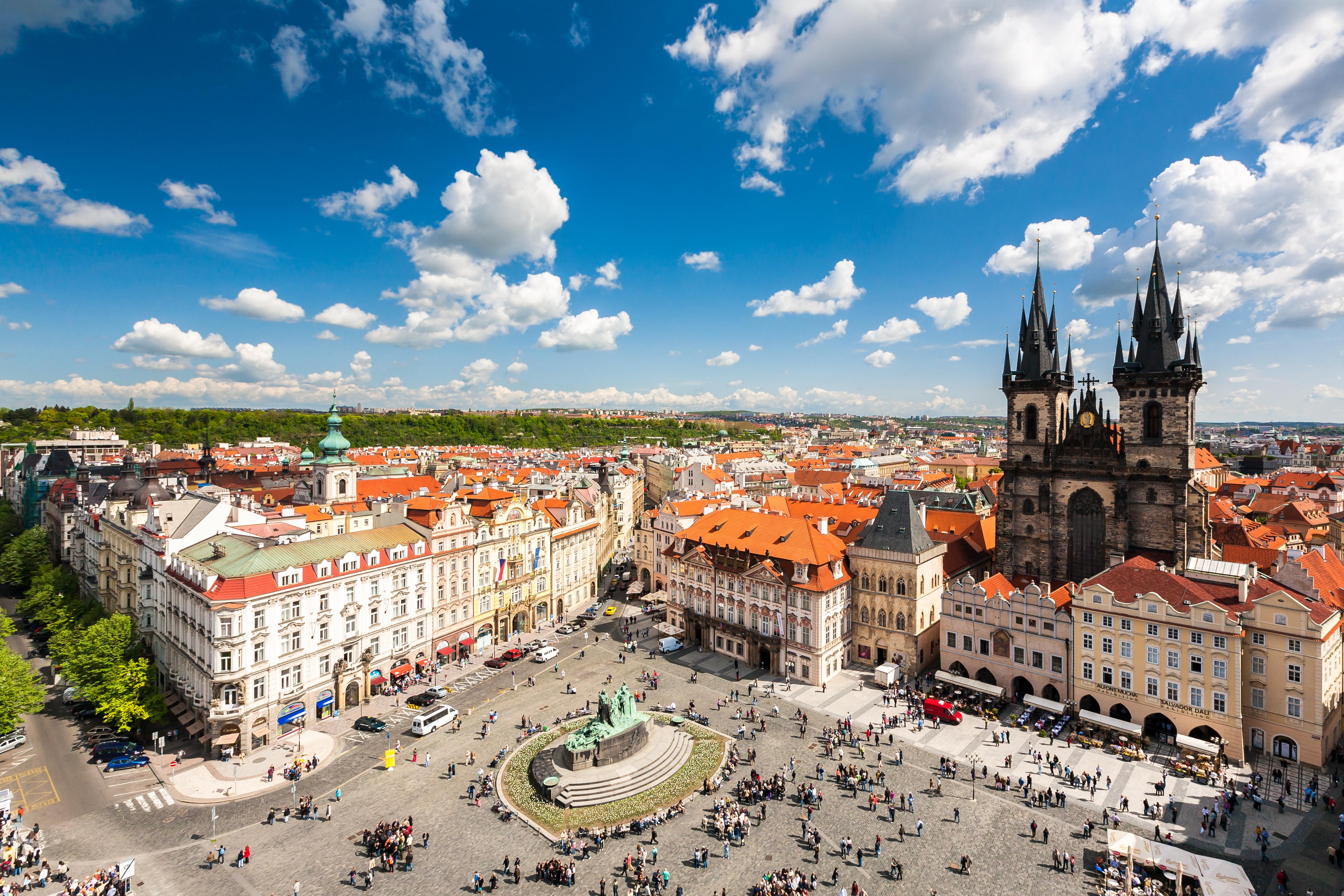 https://assets.eberhardt-travel.de/2016/Tschechien/48784_Altstadt_Prag_Original.jpg