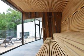 Sauna und Terasse, Copyright: Hotel Wellness ProVita