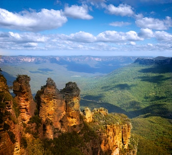 Three Sisters, Blue Mountains - ©©Jamie Bankstone - stock.adobe.com