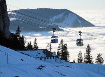 Bayern - Die winterliche Kampenwandbahn im Chiemgau - ©©Hermann - stock.adobe.com