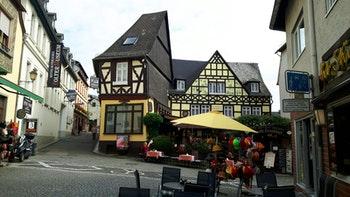 ein interessantes Bauwerk in Rüdesheim - ©Horst Hallfarth