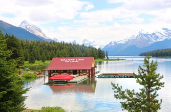 Maligne Lake im Jasper-Nationalpark - ©Eberhardt TRAVEL