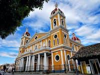 Kolonialflair in Nicaragua - Kathedrale in Granada - ©©KunstundKultur.org - stock.adobe.com