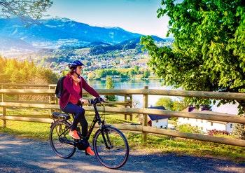 Radtour entlang des Sees - ©Patrizia Tilly - stock.adobe.com