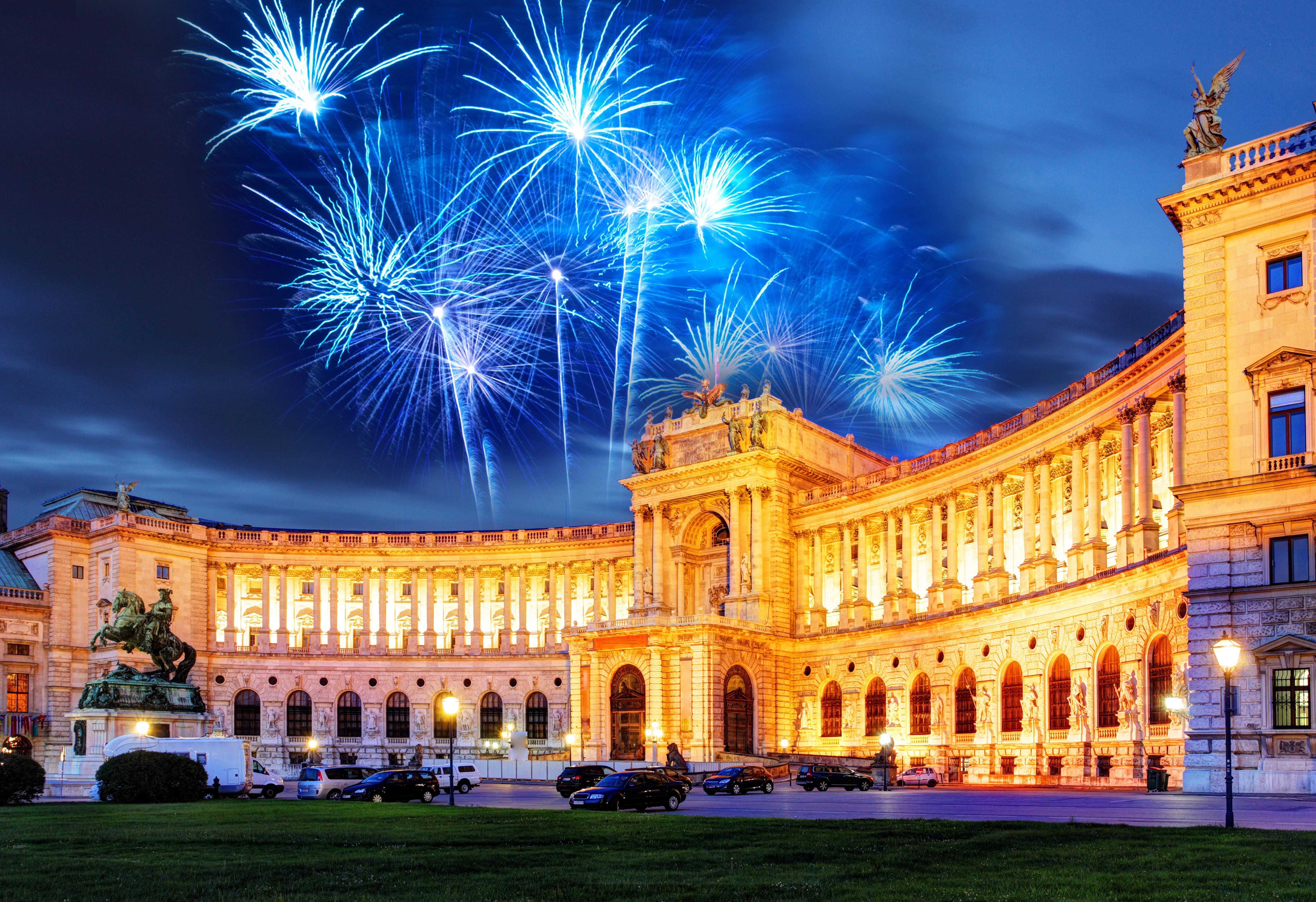 https://assets.eberhardt-travel.de/2018/Oesterreich/63153_Hofburg_in_Wien_-_Silvester_Original.jpg