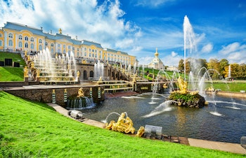 Panorama des Peterhof in St.Petersburg - ©©Vladimir Sazonov - stock.adobe.com