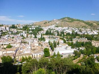 Granada - Blick zum Albaicin und Sacromonte Hügel - ©Claudia Bernhardt