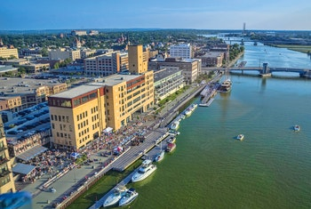 Wisconsin - Downtown Green Bay Riverfront - ©Greater Green Bay Convention