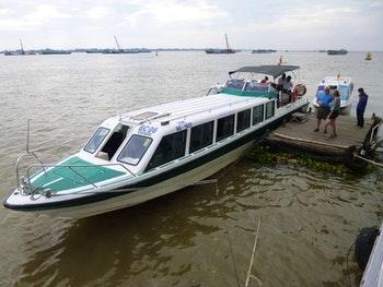 Mit dem Speedboot nach Kambodscha - ©Vicky Kern