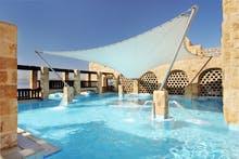 Mövenpick Resort & Spa - Poollandschaft, Copyright: Mövenpick Resort & Spa Dead Sea