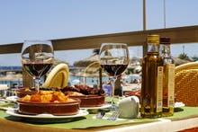 Mallorca - S´Illot - Universal Hotel PERLA - Tapas, Copyright: Alamach s.r.o.