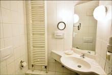 Badezimmerbeispiel, Copyright: Strandhotel Baabe