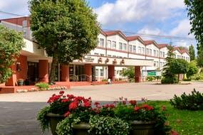 Swetlogorsk, Sanatorium Jantarni Bereg, Hauptgebäude, Copyright: Sanatorium Jantarni Bereg