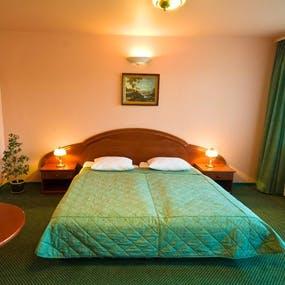 Zimmerbeispiel Doppelzimmer im Hotel Wolin (nicht renoviert), Copyright: Hotel Wolin