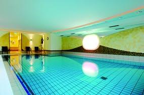 Kurhotel Königshof - Schwimmbad, Copyright: Johannesbad Hotels Bad Füssing GmbH