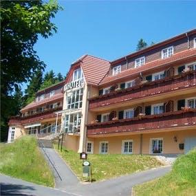 Bad_Brambach_Parkhotel_Aussen, Copyright: Eberhardt TRAVEL