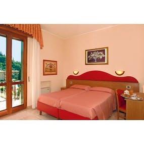 Hotel Cristallo Malcesine (Zimmerbeispiel), Copyright: Hotel Cristallo In Malcesine