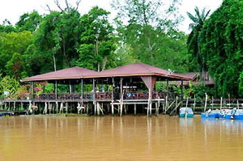 Abai Jungle Restaurant & Lodge (wholly owned and managed by S.I.Tours Sdn Bhd)