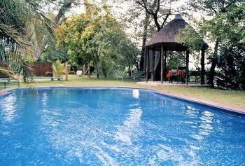 Mahangu Safari Lodge