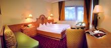 Zimmerbeispiel Hotel Berghof in Mayrhofen, Copyright: Christophorus Reisen