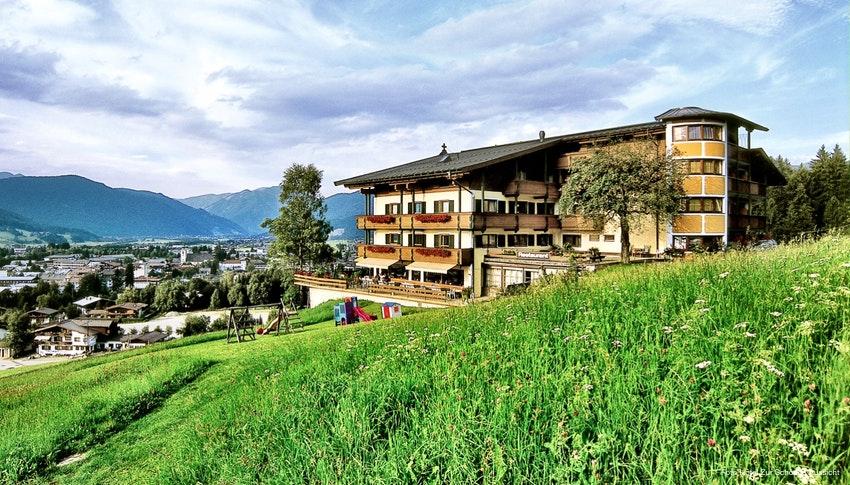 Urlaub In Osterreich Hotel Zur Schonen Aussicht In St Johann In Tirol