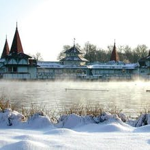 Thermalsee im Winter, Copyright: Hunguest Hotel Panoráma ***SUPERIOR