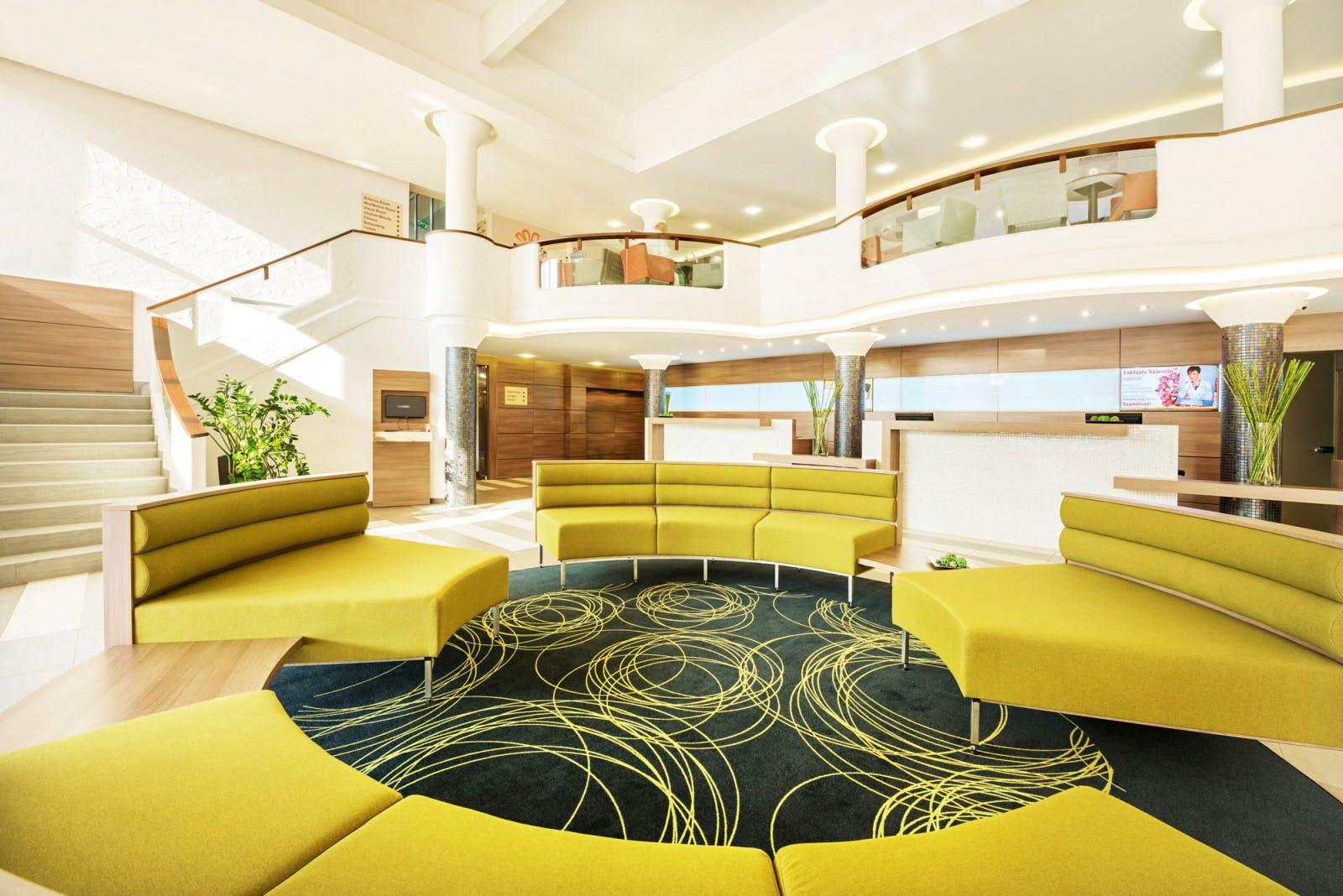 urlaub wellness in ungarn hotel europa fit in heviz saison 2018 busreise huwhe eurof. Black Bedroom Furniture Sets. Home Design Ideas