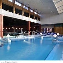 Schwimmhalle im Danubius Health Spa, Copyright: Danubius Health Spa Resort Bük