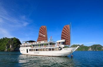 Dschunke in der Ha Long-Bucht