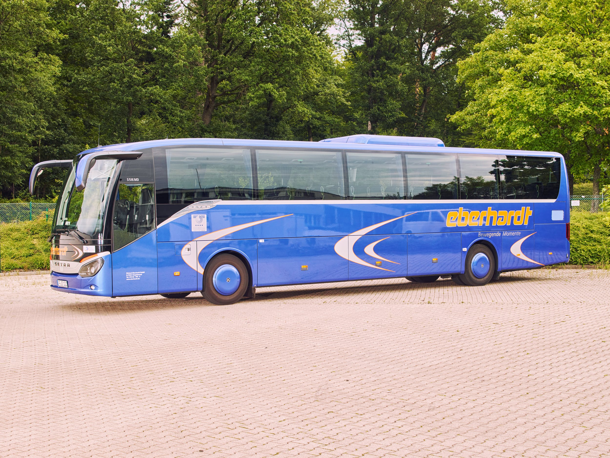 4* First-Class Bus