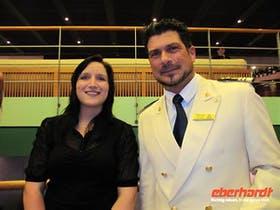 Unser Kapitän Pietro Sinisi mit der Eberhardt-Reisebegleitung Isabel Beyer