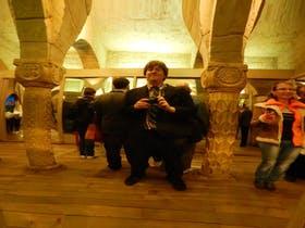 Dominik Zilliken in Prag im Spiegelkabinett auf dem Petrin