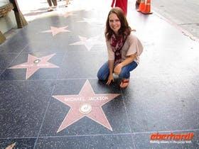 Reisebegleitung Madlen am Walk of Fame