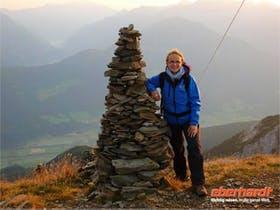 Doreen auf dem Gipfel des Zinseler